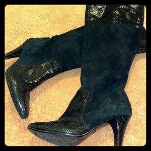 AKANNE KLEIK Velvet leather boots